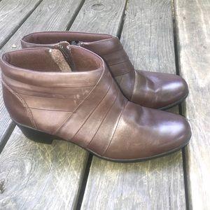 Clarks Malia Hue Ankle Boots Size 11